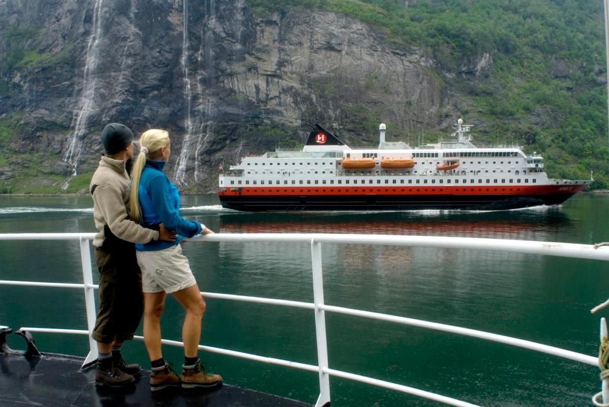 Hurtigruten är ett populärt sätt att resa i Norge.